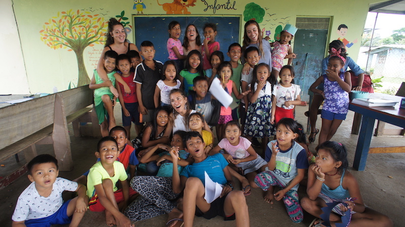 voluntariado-en-Panamá-con-niños-de-comunidades-indígenas