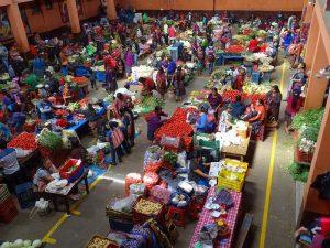 Chichicastenango mercados voluntariado con amigos en guatemala