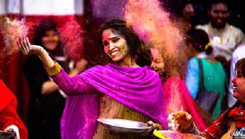 holi la india voluntariado