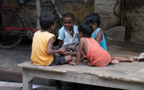 Volunteer in India with care children