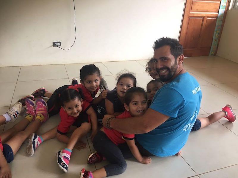 volunteering in Costa Rica with children