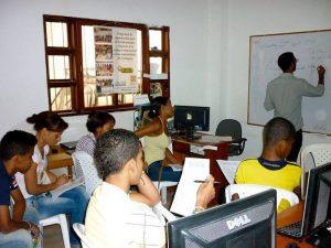 voluntariado enseñanza con jóvenes colombia