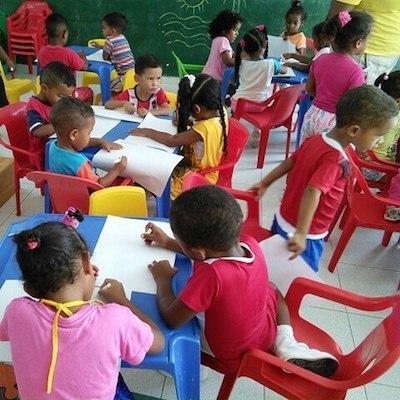 voluntariado enseñanza con niños cartgena colombia