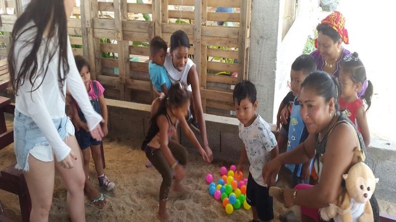 Volunteering with mothers from indigenous communities