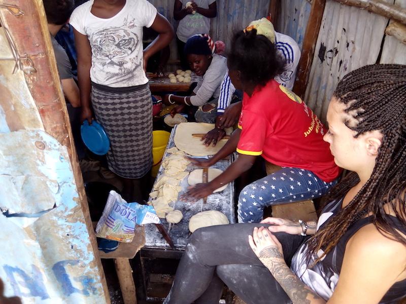Voluntariado empoderamiento madres jóvenes en Kenia