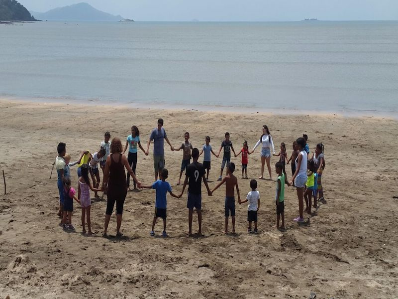 refuerzo escolar con comunidades indígenas en Panamá