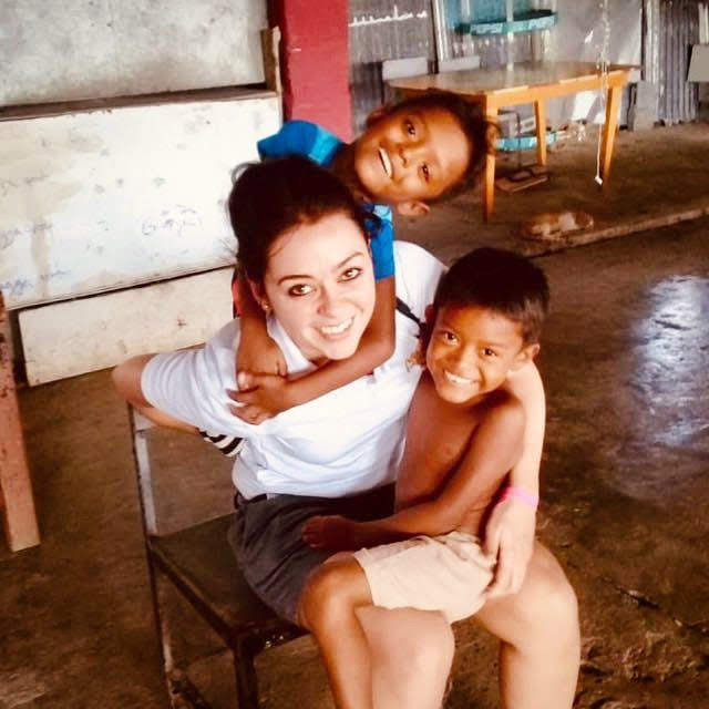 voluntariado con niños en navidad