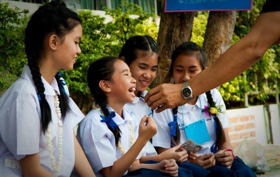 trabajo con niños en tailandia