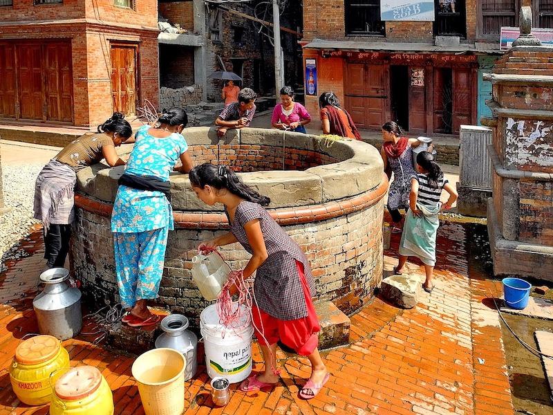 ¿Se puede beber el agua del grifo en Nepal?