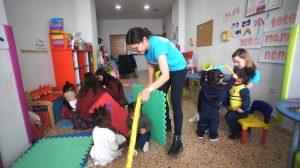 volunteer in Valencia program woman